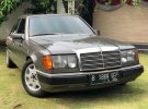Mercedes-Benz 300E 1990 Sedan