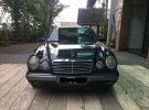 Mercedes-Benz E230 W210 2.3 Automatic 1997 Sedan