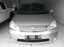 Jual mobil Toyota Raum 2004