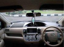 Jual mobil Toyota Raum 2003 Jawa Barat