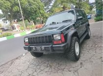 Jual mobil Jeep Cherokee 1999 Jawa Timur Manual