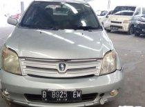 Jual mobil Toyota IST 2003 Kalimantan Barat