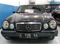 Dijual mobil Mercedes-Benz E320 W210 3.2 Automatic 1997 Sedan