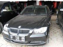 Dijual mobil BMW 320i 2005 Banten