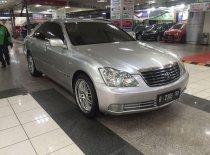 Toyota Crown Royal Saloon Standard 2005 Sedan dijual