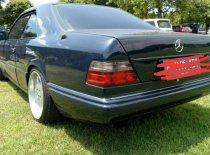 Butuh dana ingin jual Mercedes-Benz 300  1989