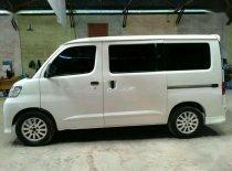 Jual Daihatsu Luxio M 2011