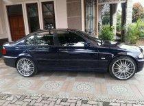 Butuh dana ingin jual BMW 3 Series 318i 2001