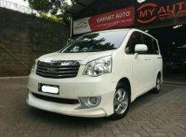 Jual Toyota NAV1 V kualitas bagus