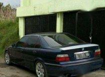 BMW i8  1994 Sedan dijual