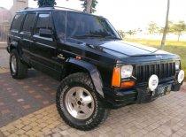Jeep Cherokee Limited 2000 SUV dijual