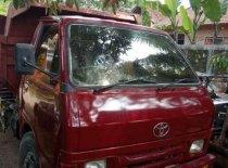Butuh dana ingin jual Toyota Dyna  2002