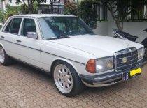 Mercedes-Benz 200  1980 Sedan dijual