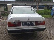 Butuh dana ingin jual Mercedes-Benz 230E W124 1992