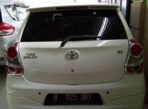 Butuh dana ingin jual Toyota Etios  2014