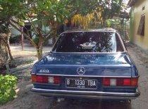 Jual Mercedes-Benz 200 1986 kualitas bagus