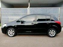 Butuh dana ingin jual Nissan Latio  2008