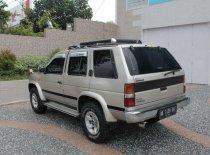 Nissan Terrano 2.4 Manual 1998 SUV dijual