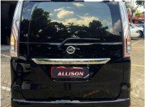 Butuh dana ingin jual Nissan Serena Panoramic Autech 2015