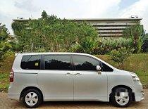 Jual Toyota NAV1 2013 kualitas bagus