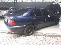 Butuh dana ingin jual BMW 3 Series 318i 1998