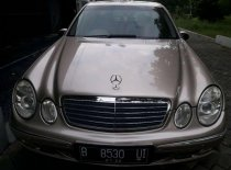 Mercedes-Benz E-Class 260 2005 Sedan dijual