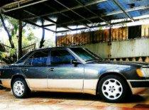 Butuh dana ingin jual Mercedes-Benz E-Class  1980