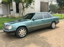 Butuh dana ingin jual Mercedes-Benz E-Class  1987