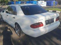 Mercedes-Benz E-Class E 230 1999 Sedan dijual
