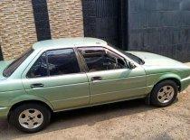 Butuh dana ingin jual Nissan Sentra  1996