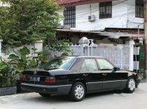 Butuh dana ingin jual Mercedes-Benz 230E W124 1990