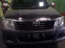 Butuh dana ingin jual Toyota Hilux  2012