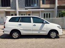 Butuh dana ingin jual Toyota Kijang Innova E 2014