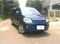 Toyota Noah  2004 MPV dijual