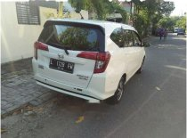 Butuh dana ingin jual Daihatsu Sigra R 2016