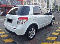 Butuh dana ingin jual Suzuki SX4 Cross Over 2012