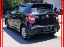 Butuh dana ingin jual Toyota Etios  2015