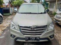 Butuh dana ingin jual Toyota Kijang Innova 2.5 G 2014
