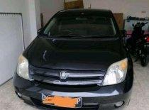 Butuh dana ingin jual Toyota IST  2004