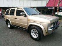 Butuh dana ingin jual Nissan Terrano Spirit 2001