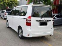 Butuh dana ingin jual Toyota NAV1 V 2013
