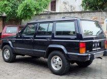 Butuh dana ingin jual Jeep Cherokee Limited 1994