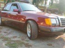 Butuh dana ingin jual Mercedes-Benz 230E  1992