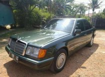 Jual Mercedes-Benz 300E 1990