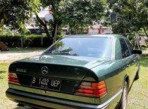 Mercedes-Benz E-Class 1992 Sedan dijual