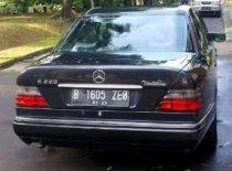 Jual Mercedes-Benz E-Class E 220 1996