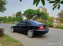 Butuh dana ingin jual Mercedes-Benz C-Class 2005