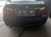 Butuh dana ingin jual BMW 3 Series 320i 2005