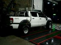 Butuh dana ingin jual Ford Ranger Base 2012