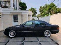 Jual Mercedes-Benz E-Class 2002, harga murah